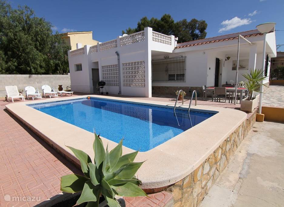 Vacation rental Spain, Costa Blanca, Bonalba - holiday house Hanneliv - bungalow with private pool