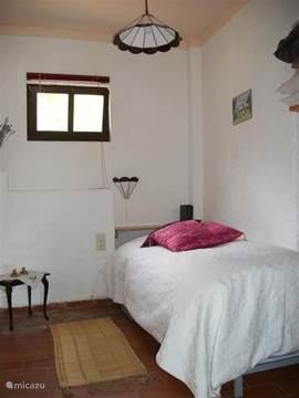 1 pers slaapkamer met onderschuifbed