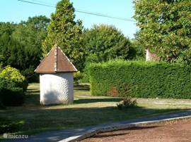 If you see this voormailge dovecote, you have arrived.