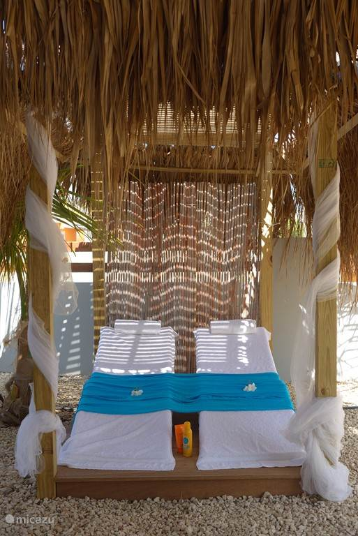 Relaxen in uw tropische tuin