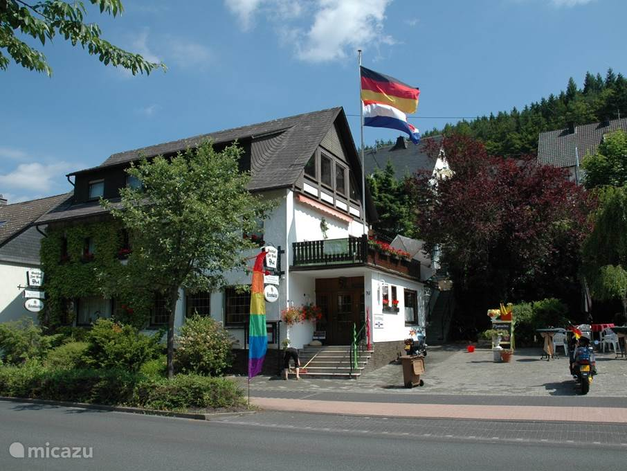 Vakantiehuis Duitsland, Sauerland, Lennestadt-Langenei Pension / Guesthouse Gasthof Hollander Eck hotelkamers