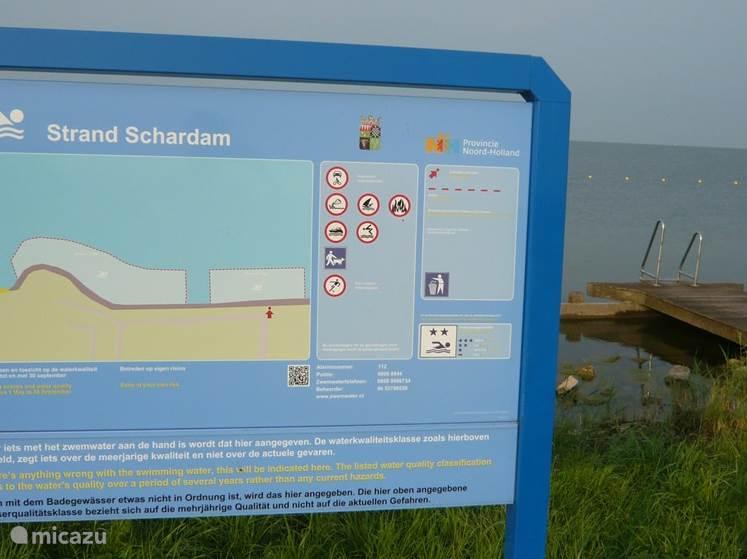 Strand Schardam op 50 meter afstand van het huisje