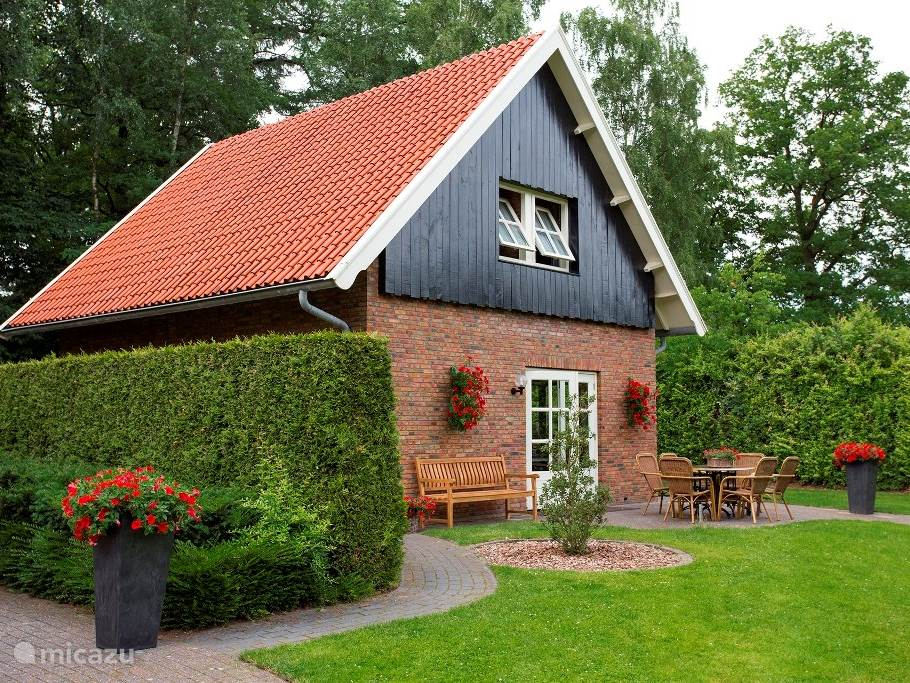 Vacation rental Netherlands, Overijssel, Unloader holiday house Holiday home De Bron 2 (1-8 pers.)