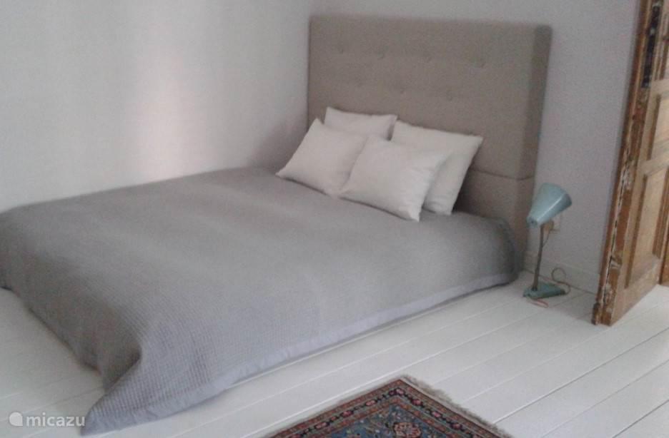 tweepersoons bed met goede matras