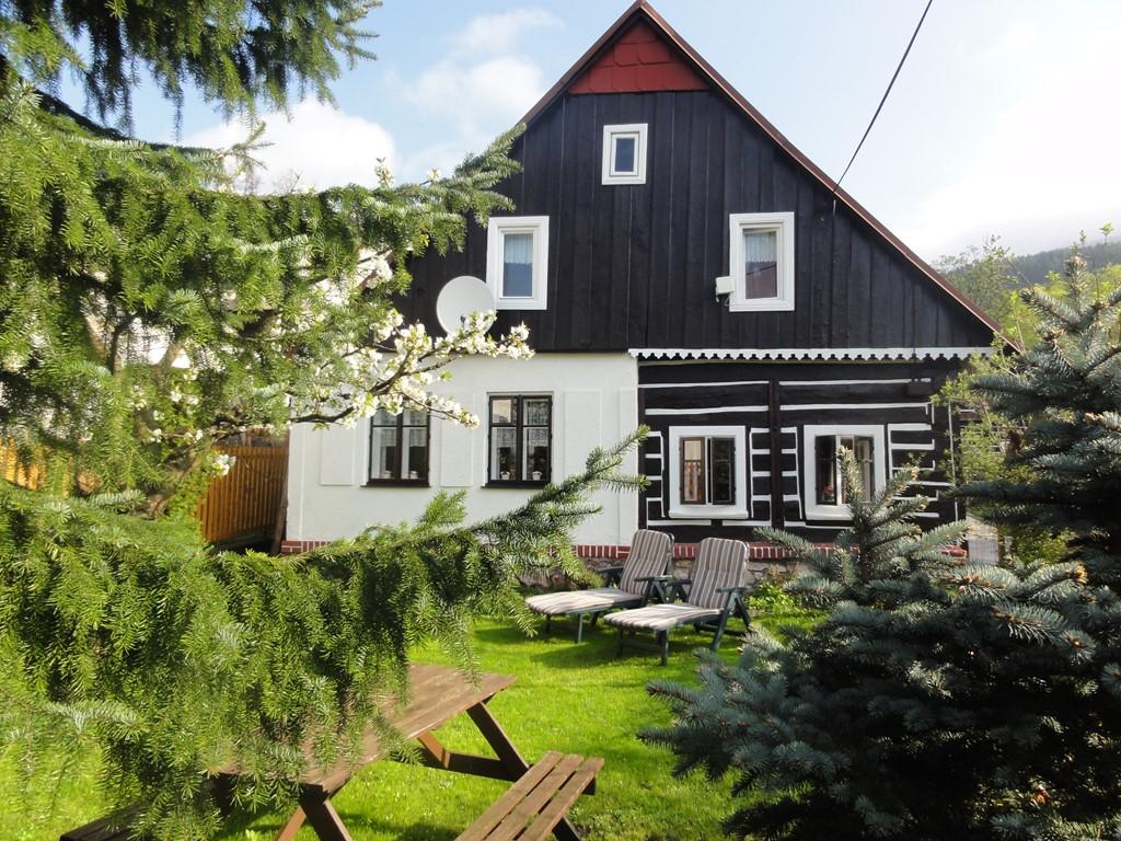 Stuntaanbieding april en meimaanden 2017 vanaf E 125 (4 pers) centraal 'Nationaalpark Reuzengebergte' Tsjechië: uitstapjes, bergwandelingen, zie info.