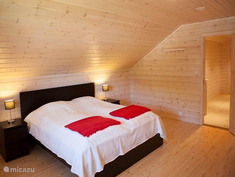De grote slaapkamer op de eerste verdieping
