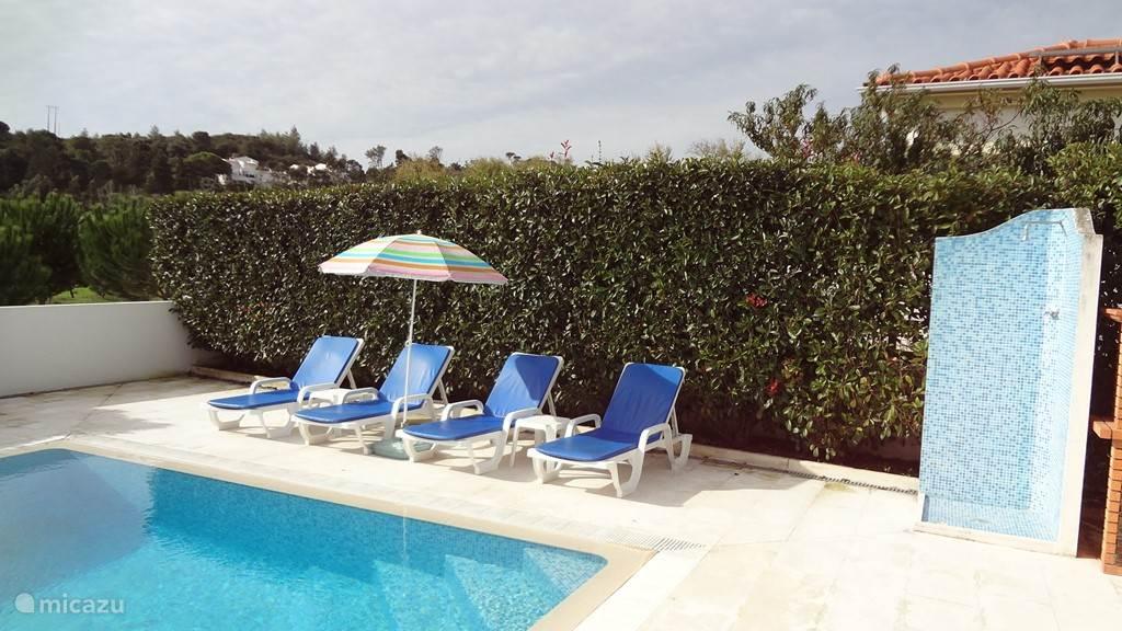 Heerlijk en volkomen vrij genieten van de zon en het zwembad