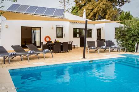 Vacation rental Portugal, Algarve, Carvoeiro villa  Yellow Flower