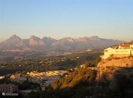 uitzicht over het Serra de Bergia gebergte