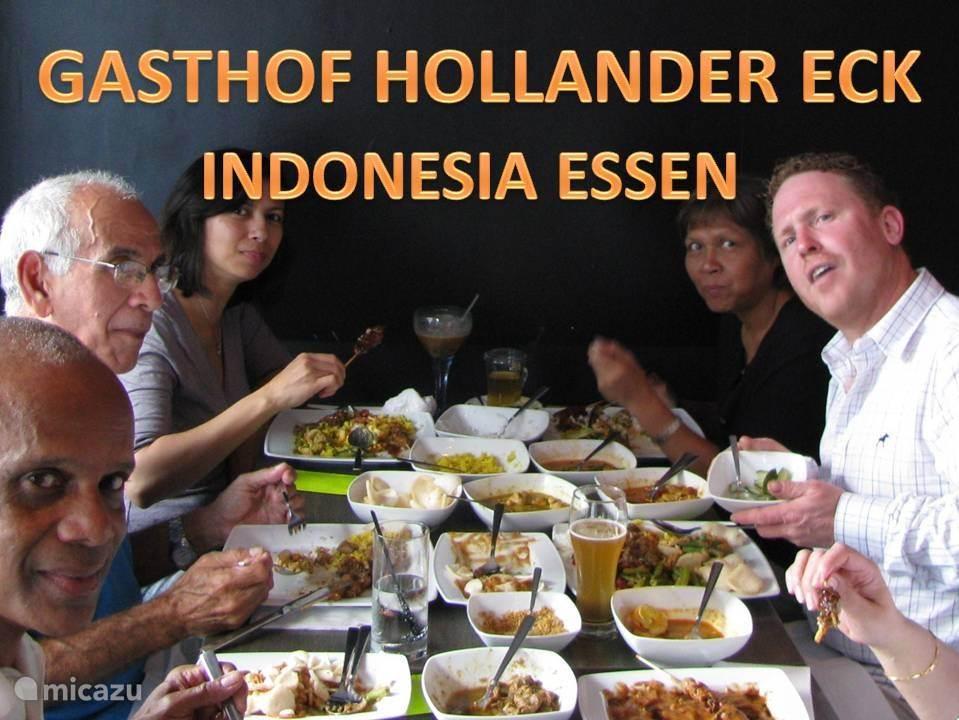 Indonesische maaltijden serveren we in ons restaurant met reservering.