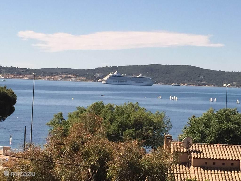 Uitzicht op St. Tropez, 10 minuten met bateau vert vanuit haventje Ste Maxime