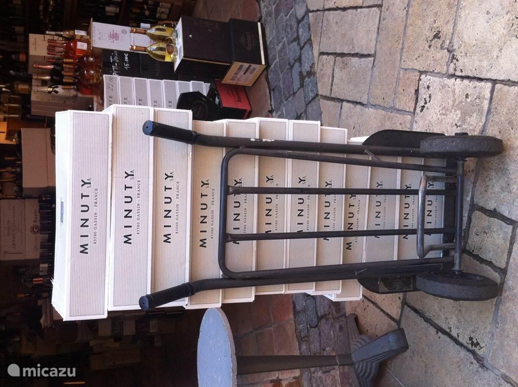 Véél kleine en grotere wijnhuizen in de buurt!