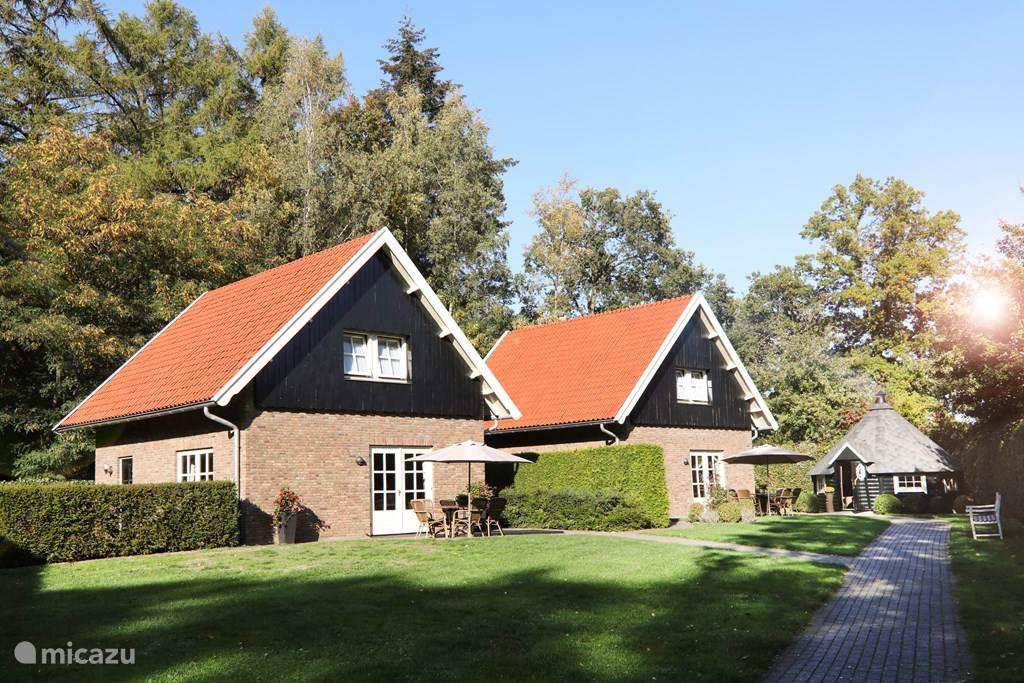 Vakantiehuis Nederland, Overijssel, Losser vakantiehuis Regenboog inclusief Finse Kota