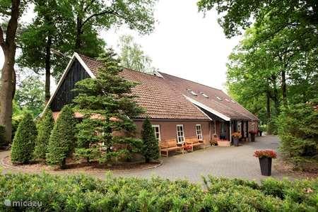 Vakantiehuis Nederland, Overijssel, Losser vakantiehuis Vuursteen met Finse Kota en hottub