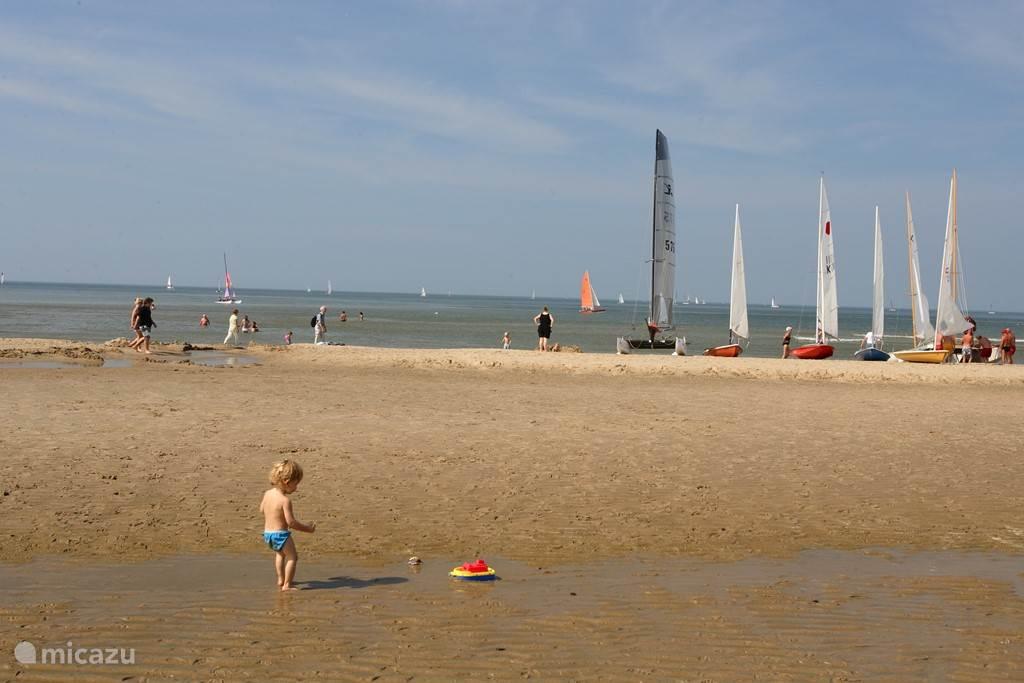Zeilen vanaf het Noordwijkse strand.