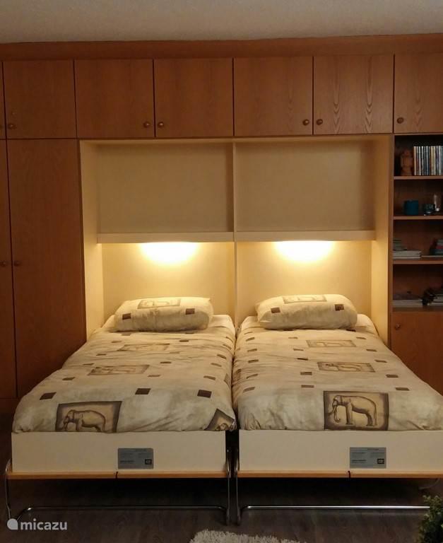 kastenwand met twee heerlijke bedden