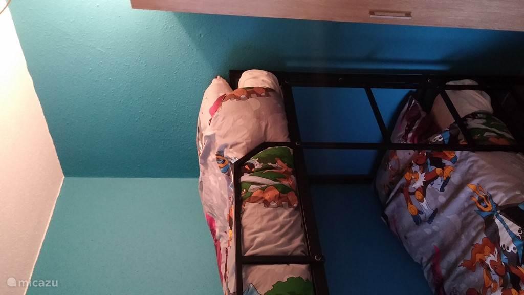 Slaapkamer met stapelbed, kunnen ook volwassenen in!