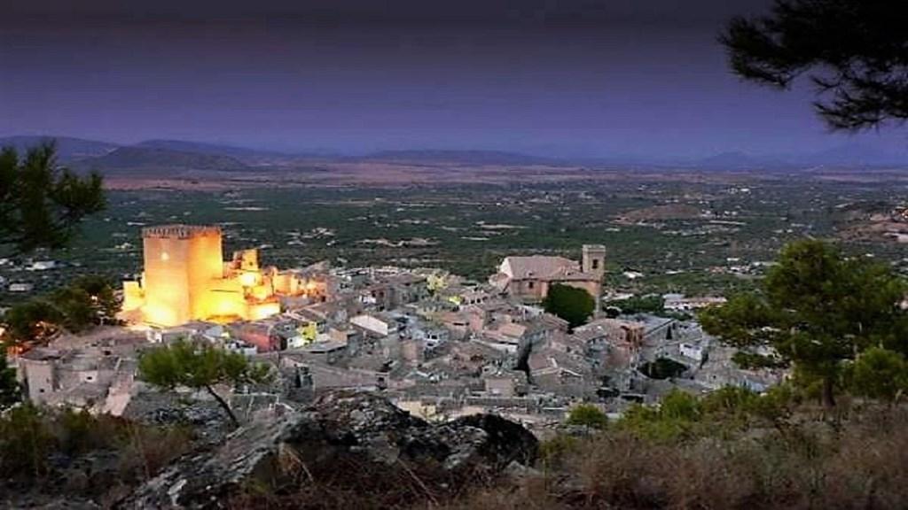 In april, mei en juni €100 korting op elke boeking van minimaal 2 weken in Casamoratalla.