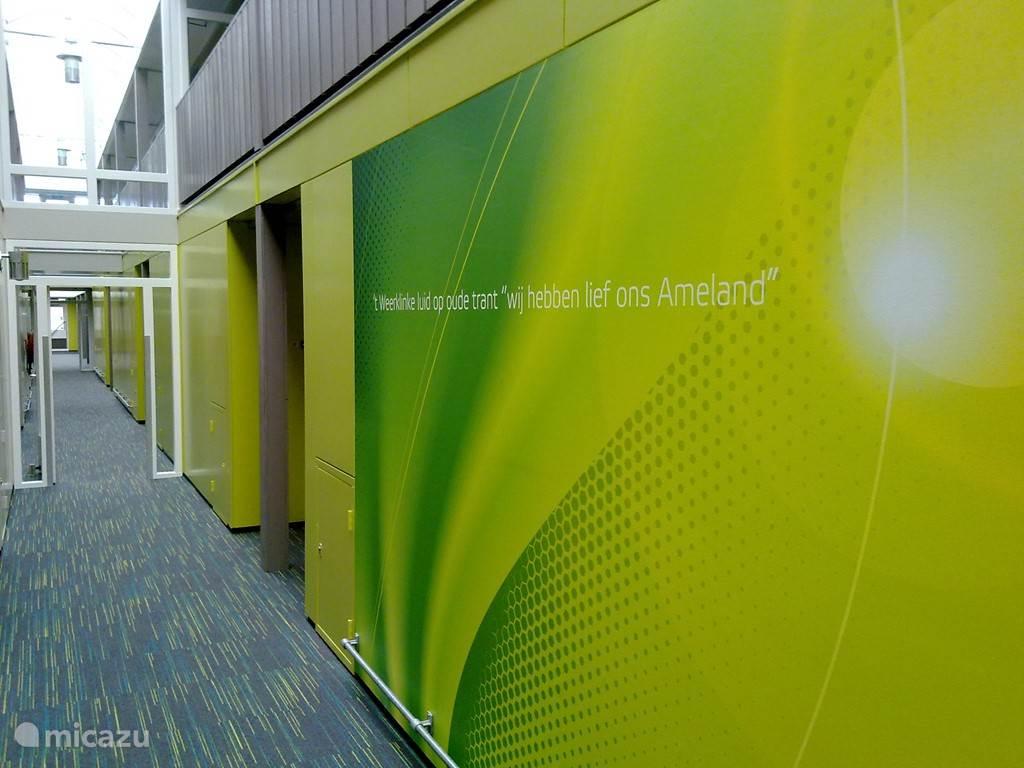 ..De gangen in het complex zijn recent gerenoveerd.
