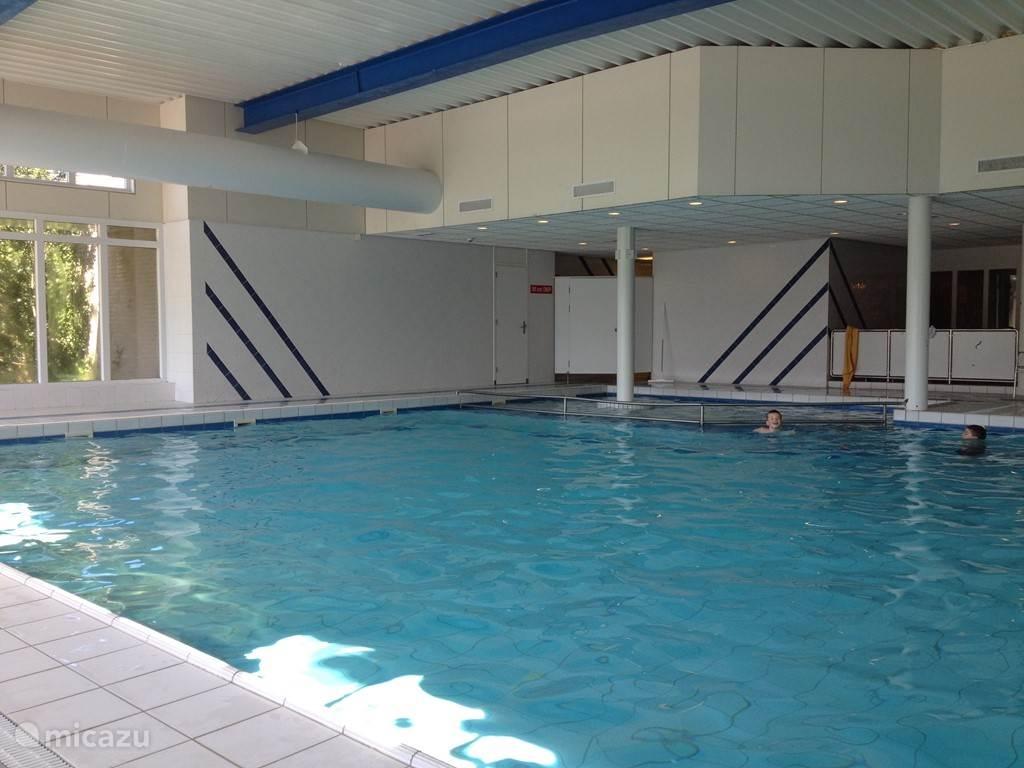 Het (gratis toegankelijke) zwembad is ideaal, niet alleen als u kinderen hebt!