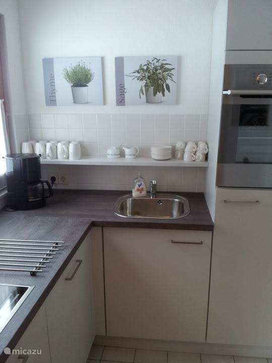 nieuwe keuken met vaatwasser
