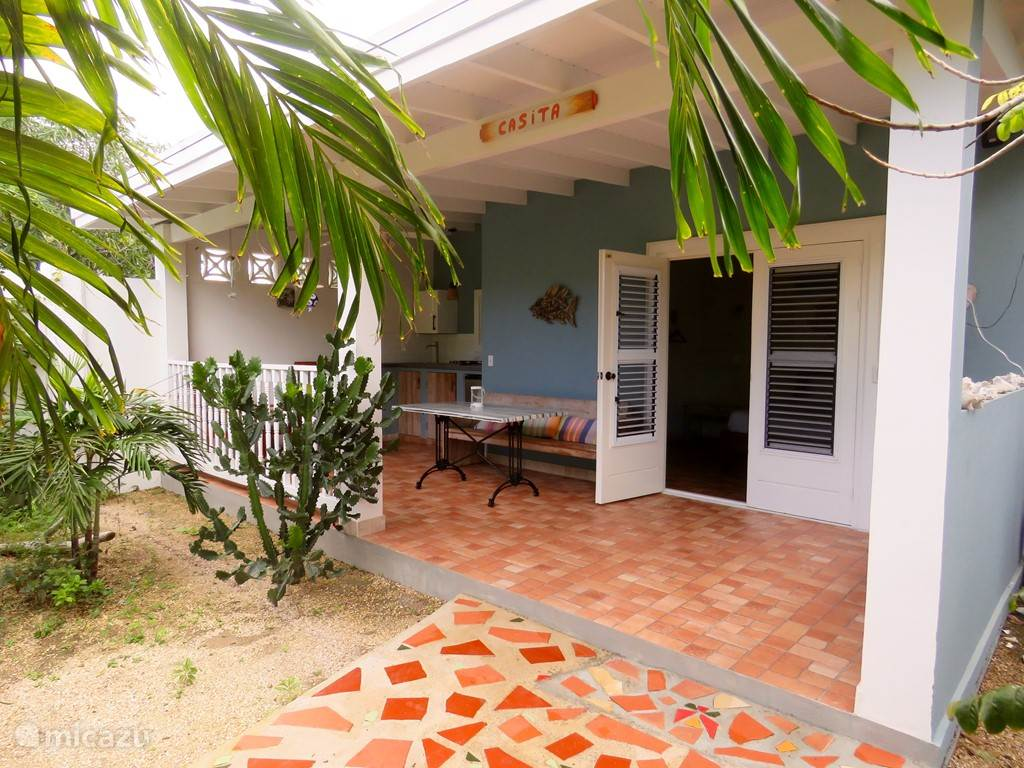 Vacation rental Aruba, Oranjestad – studio Casita at MangooZ Guesthouse