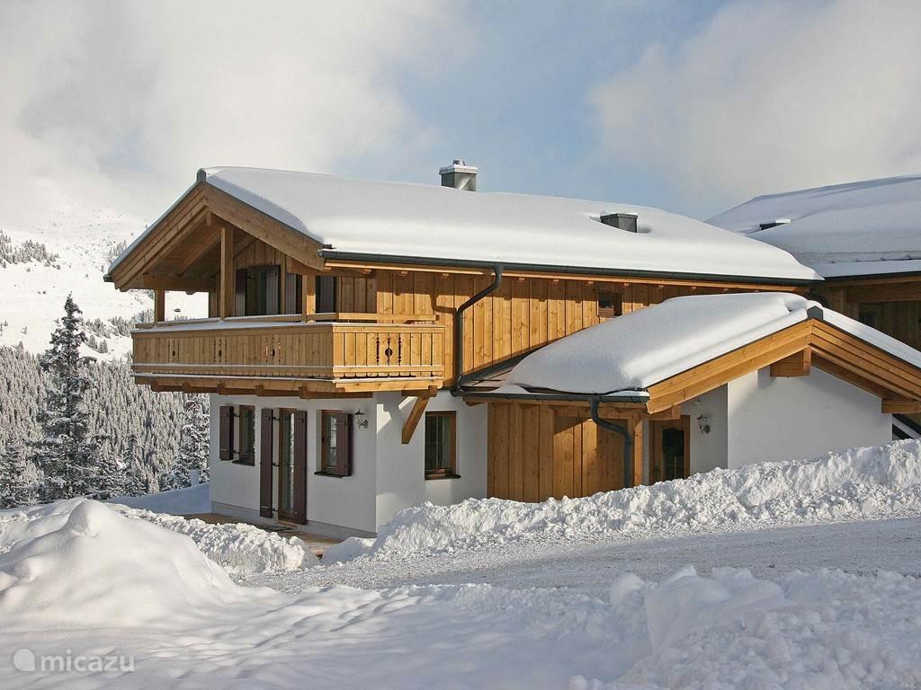Haus gerlinde in krimml salzburgerland huren micazu for Chalet oostenrijk