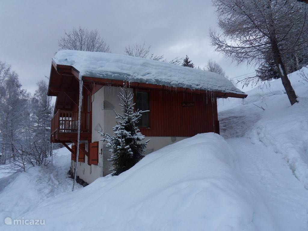 ons chalet in de winter
