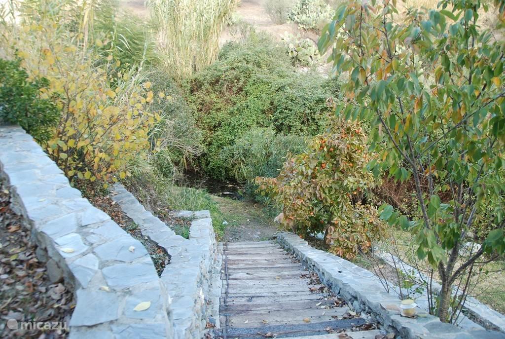 Laatste trap naar de rivier
