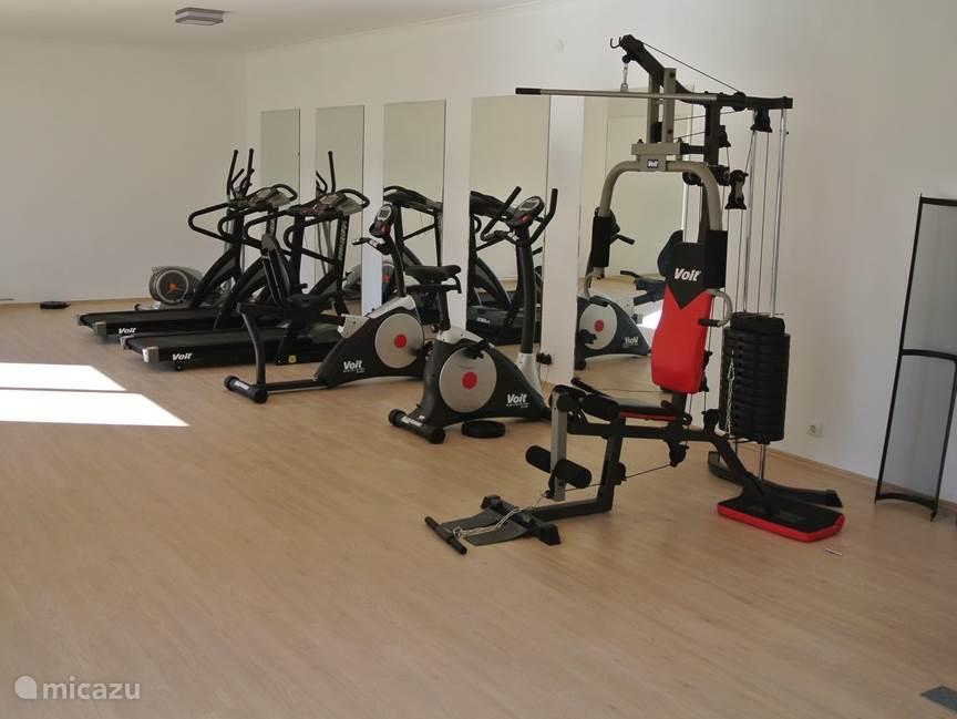 De fitness ruimte is het gehele jaar geopend.