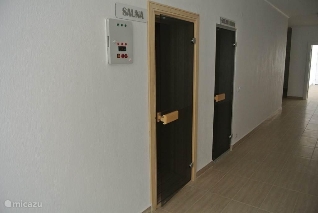 Ook is er een sauna,stoombad en hamam aanwezig.