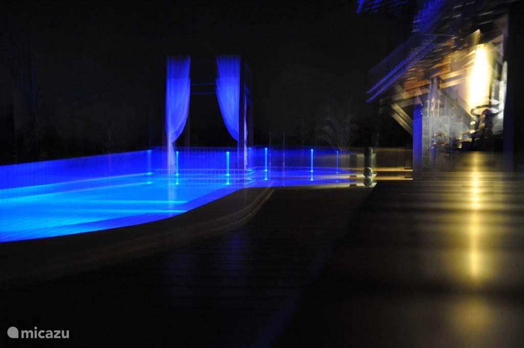 zwembadverlichting in 10 kleuren