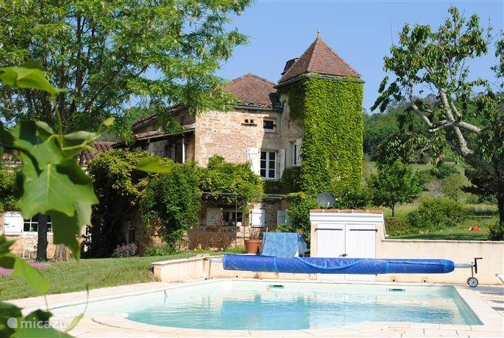 Vacation rental France, Lot, Prayssac holiday house Lilly Valley