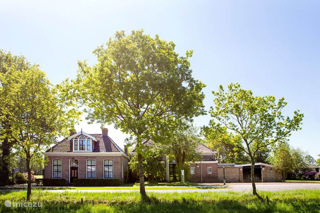 Vacation rental Netherlands, Friesland – holiday house Villa XXL with music room with piano