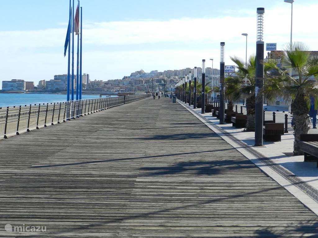 het wandelpad naast het strand in la mata