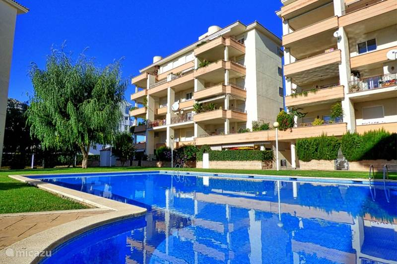 Appartement modern appartement met zwembad in alcudia mallorca spanje huren - Modern appartement modern appartement ...