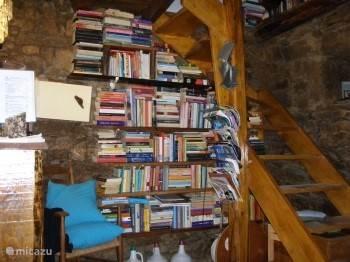 honderden boeken in onze bib