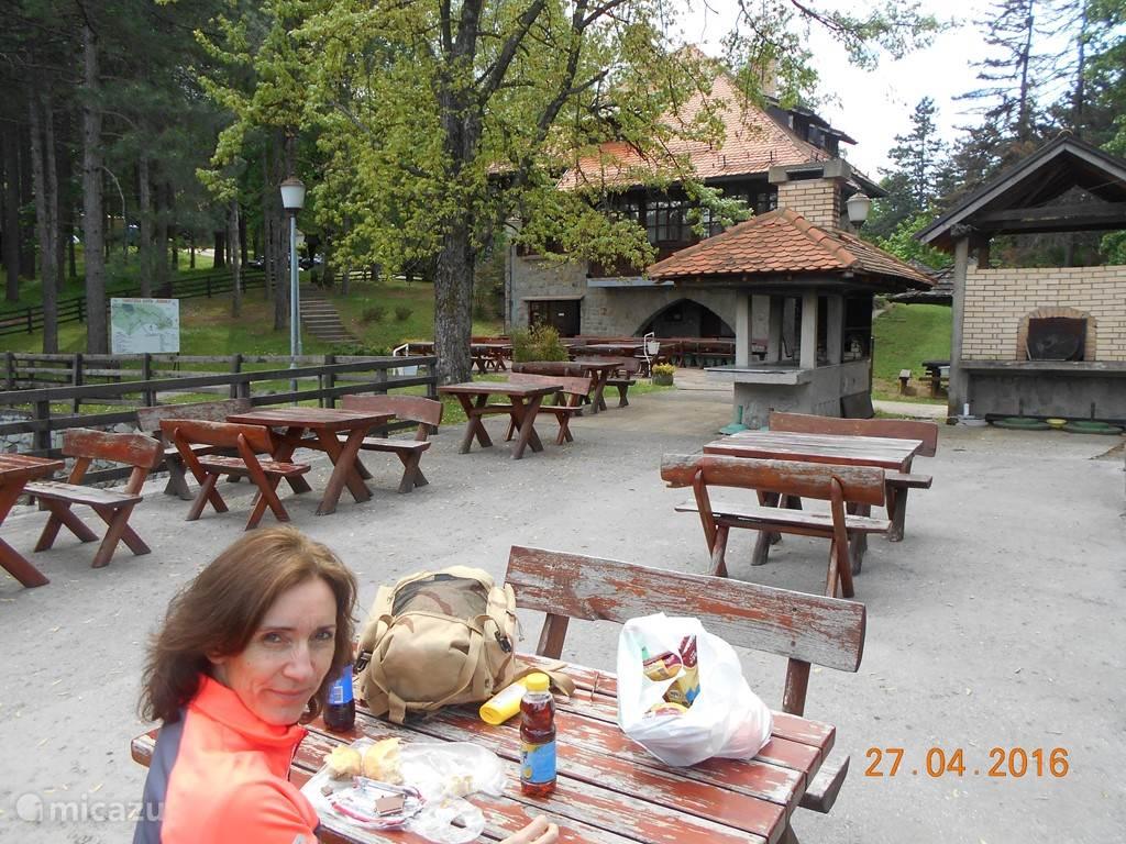 Wanneer het in Vinca in de vallei te warm is, ga dan bijvoorbeeld naar de berghut op Rudnik, bergketen 1100m hoogte en gemakkelijk bereikbaar op 15-20 Km van Vinca verwijderd.