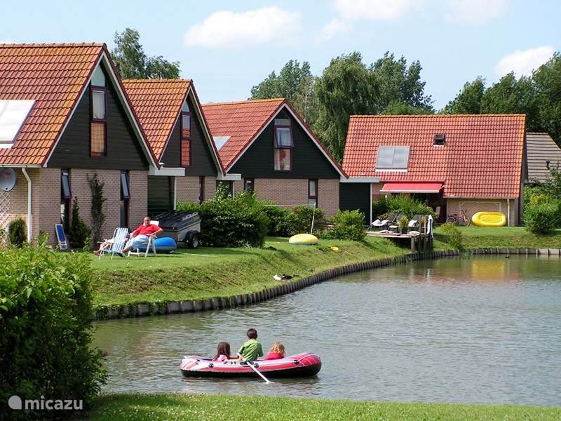 Vakantiehuis Nederland, Zeeland, Heinkenszand Bungalow Vakantiepark Hof van Zeeland