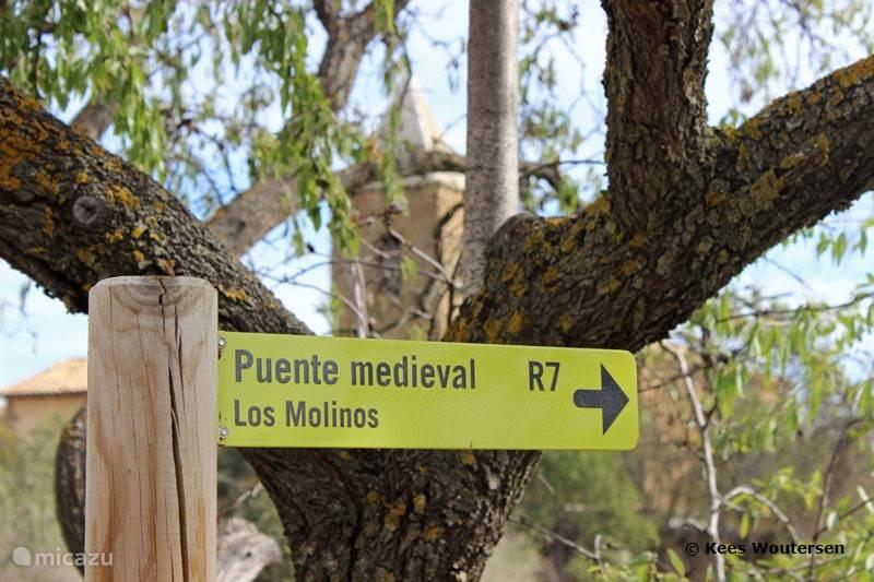 Wandelroutes starten bij Sipán.