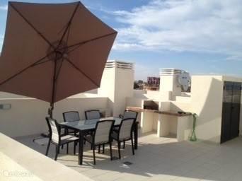 Zeer groot dak terras 60 m2 met zeezicht