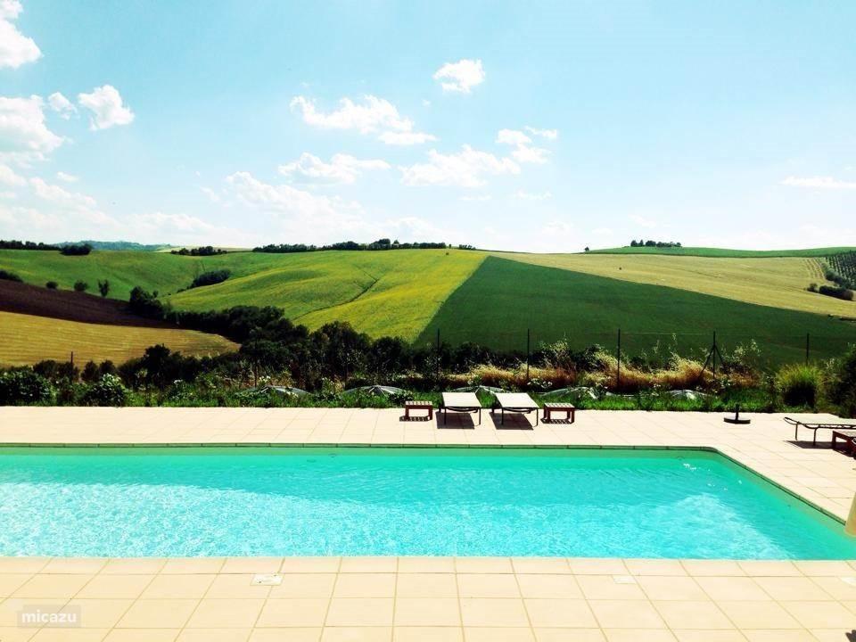 Nu extra verlaagde tarieven in het voor- en naseizoen. Unieke kans om in een luxe villa met zwembad te verblijven.