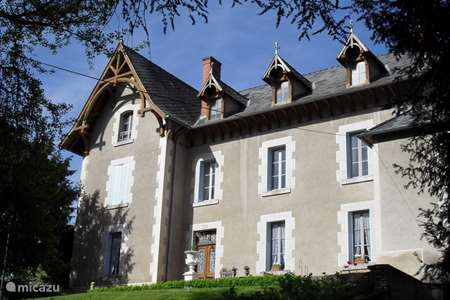 Vacation rental France, Allier, Arfeuilles manor / castle Chateau Arfeuilles