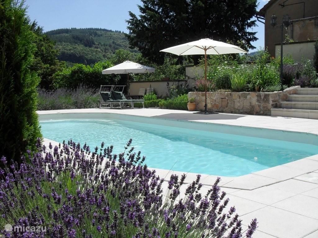 Vacation rental France, Auvergne, Arfeuilles Manor / Castle Chateau Arfeuilles