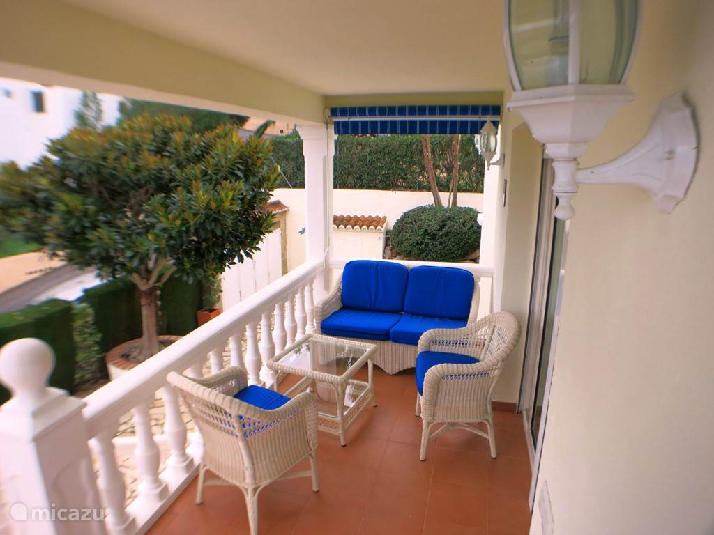 Balkon met zitje