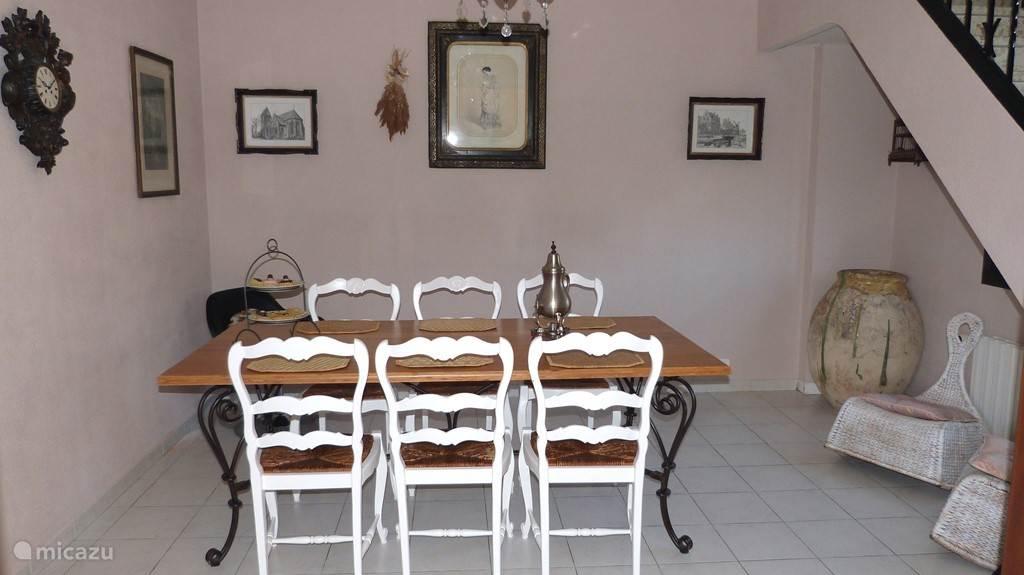 De eetkamer