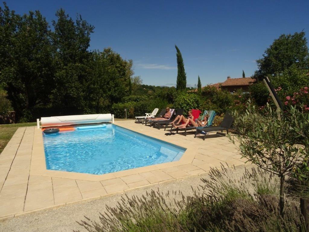 Van € 1795 nú € 975 aank. za. 25/8: Royale villa in Vallon Pont d'Arc+verwarmd privezwembad+excl.vlonderterras+zicht op Ardeche; 2 tennisbn.