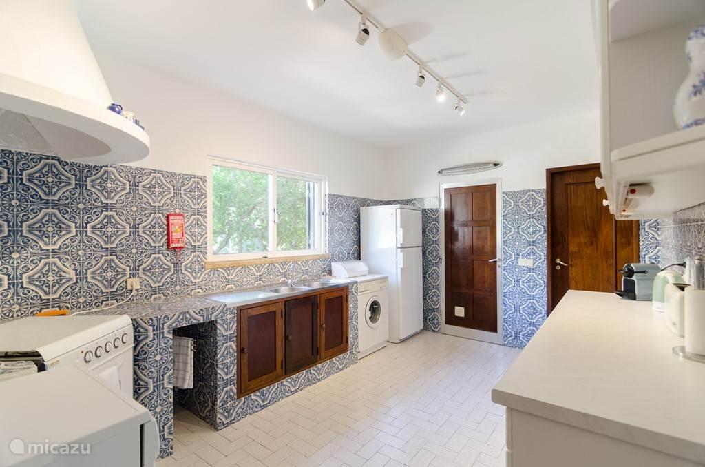 Onze gezellige zeer complete keuken met alle faciliteiten.