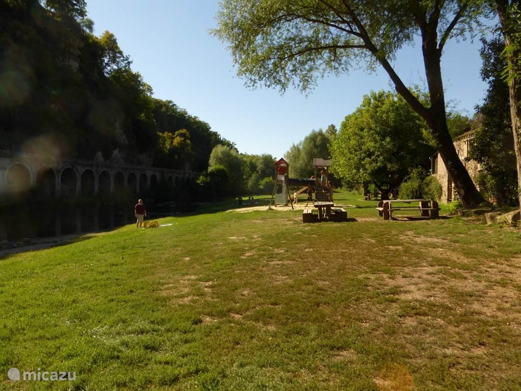Picknickplaats in Laguepie aan de Viaur