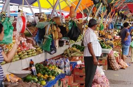 Drijvende markt op 15 minuten loopafstand